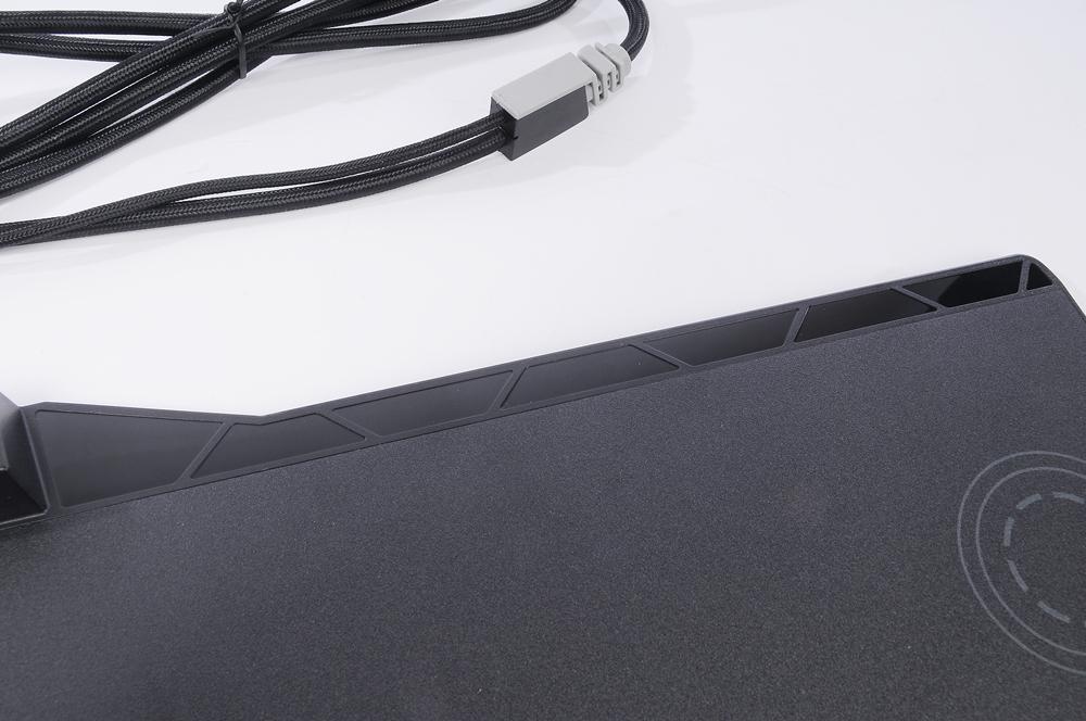 CORSAIR 海盗船 MM1000 QI 无线充电鼠标垫 评测