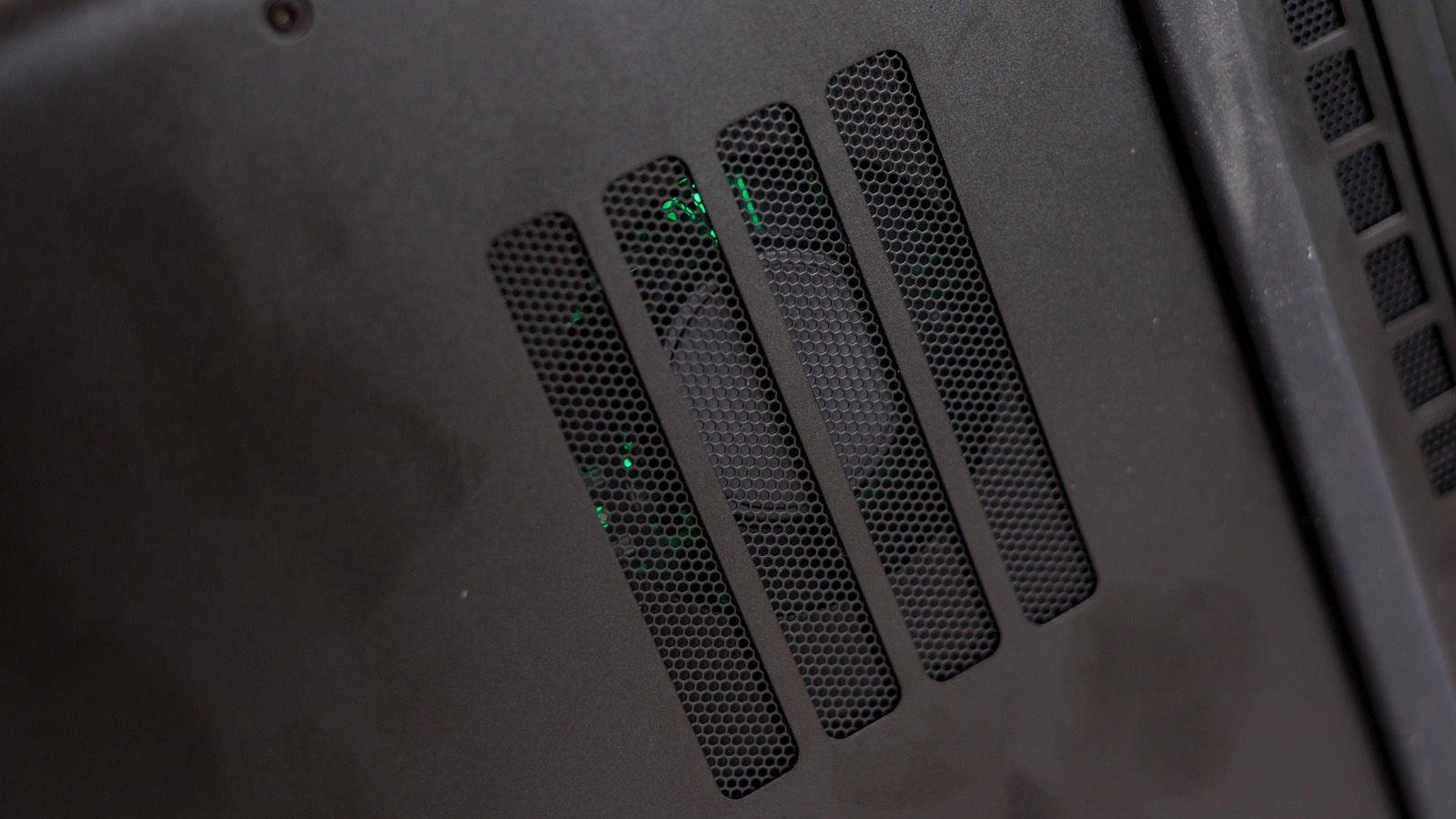 全新15.6 英寸 Razer Blade 雷蛇灵刃 评测