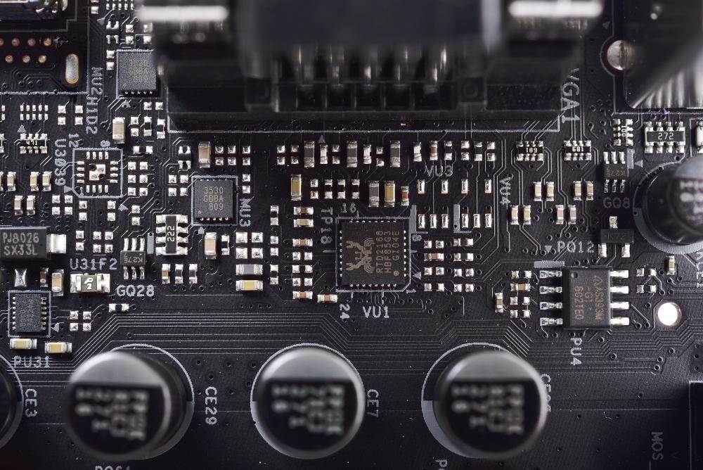 ASROCK 华擎 FATAL1TY B360M PERFORMANCE 主板 评测